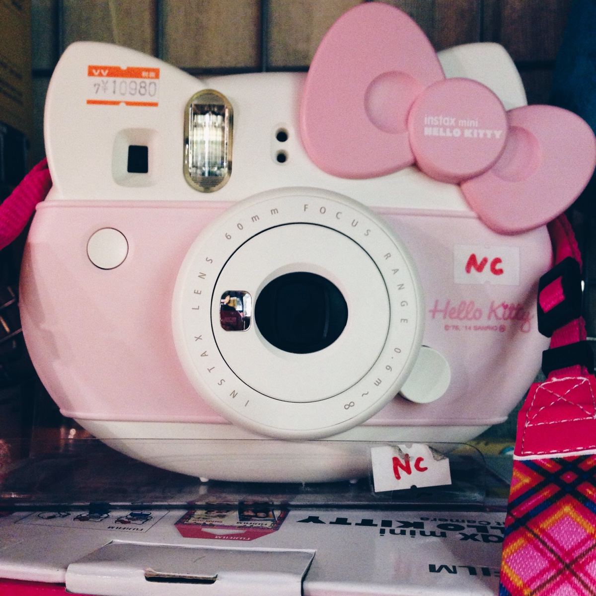 fujifilm-instax-hello-kitty-.jpg