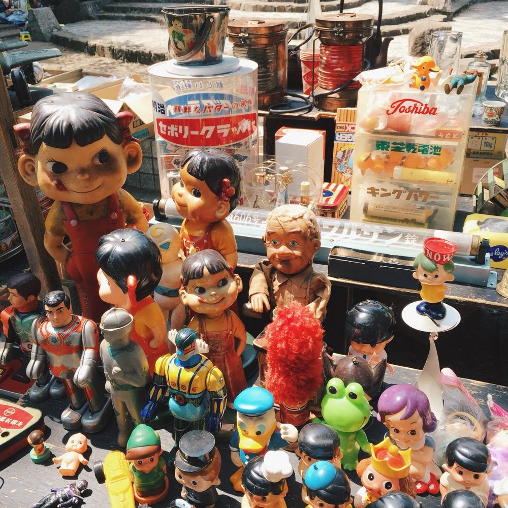tin-toys-peko-chan.jpg