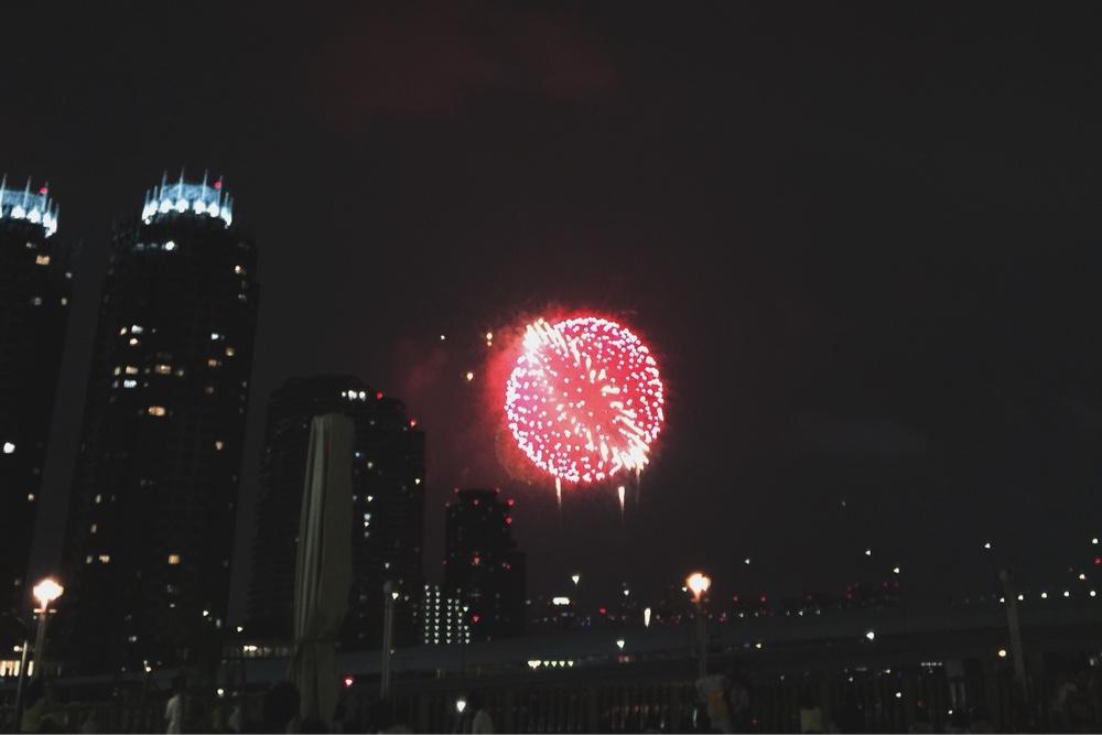 tokyo-bay-fireworks.jpg
