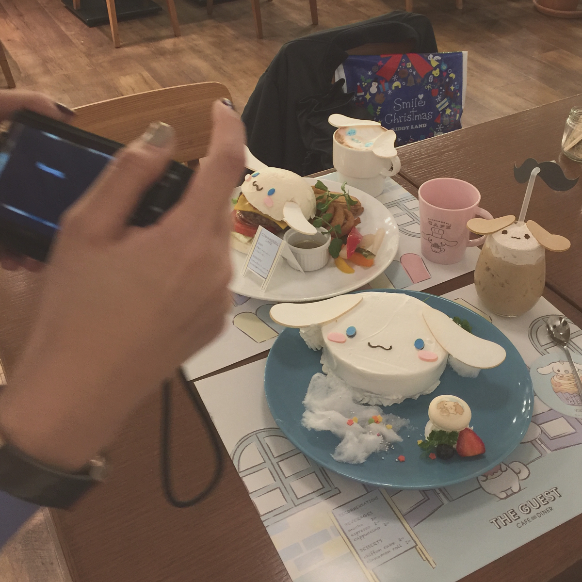 Photo 12-31-15, 5 23 23 PMkawaii cinnamoroll cafe shibuya