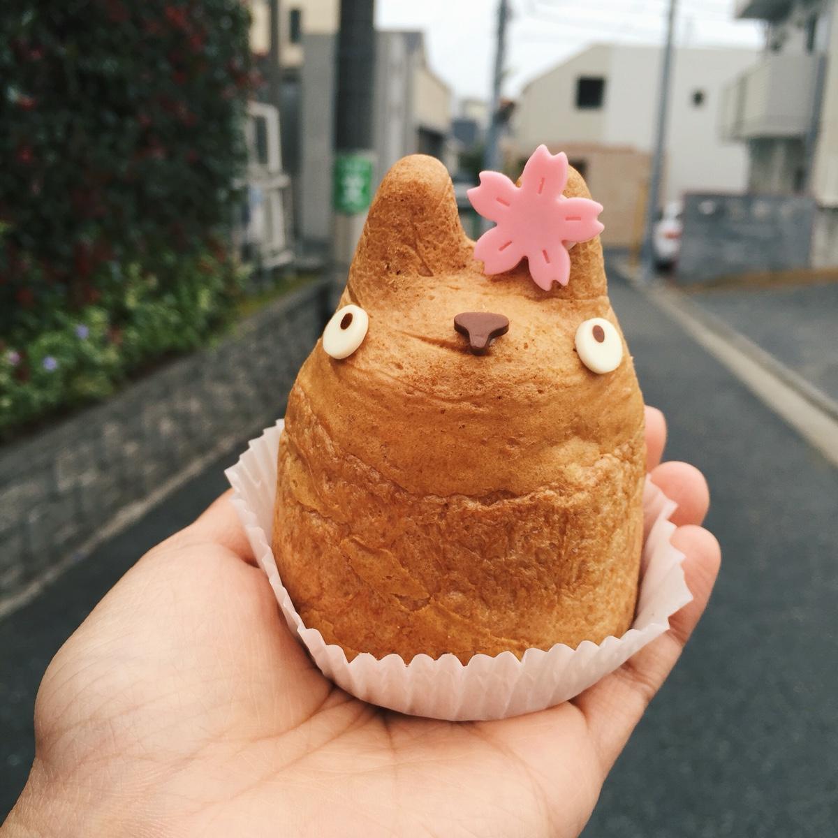 totoro-cream-puff.jpg