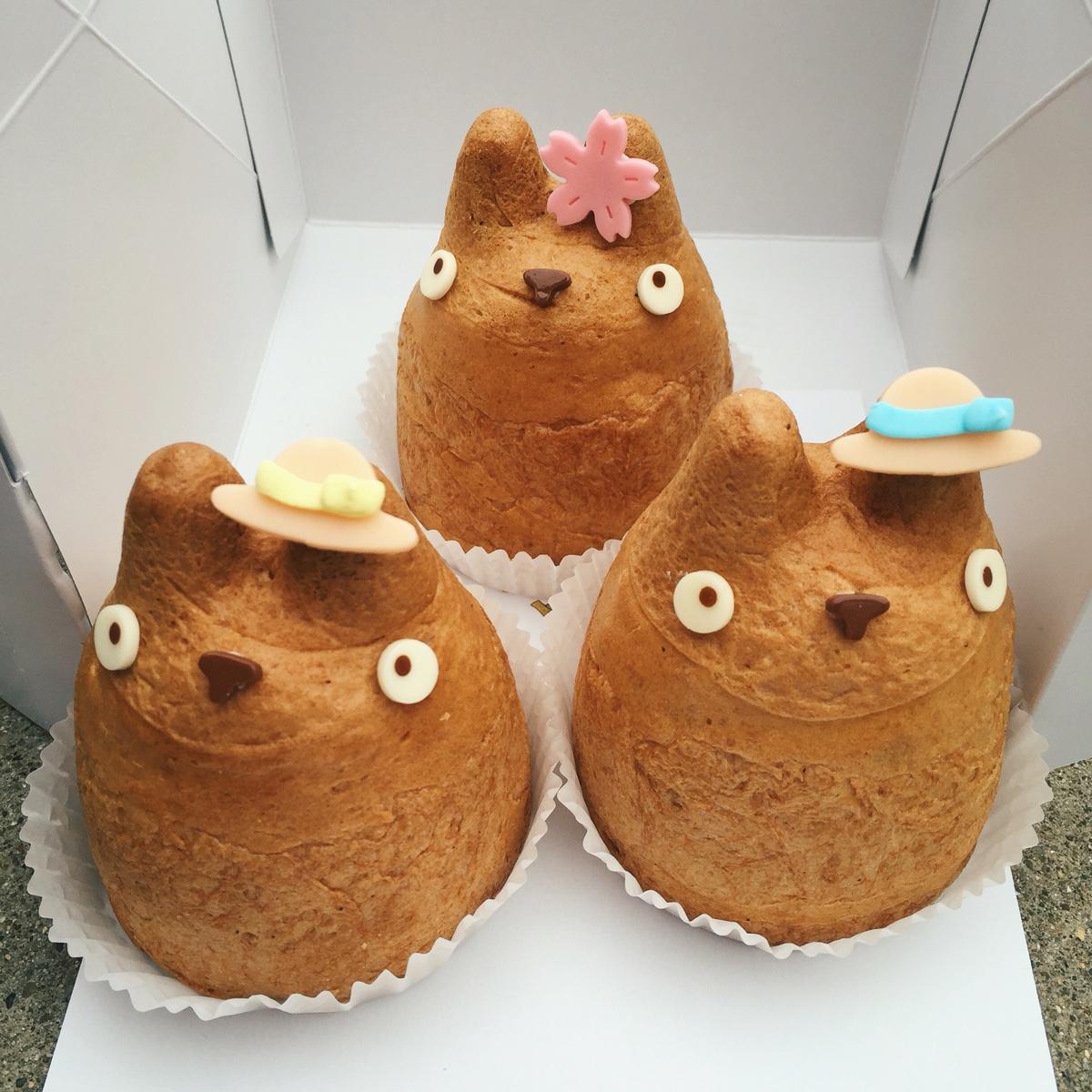 totoro-shirohige-cream-puffs.jpg